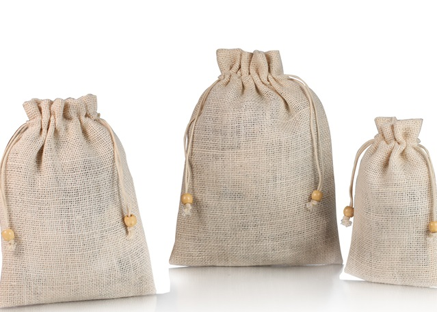 What are the advantages of jute drawstring bag?